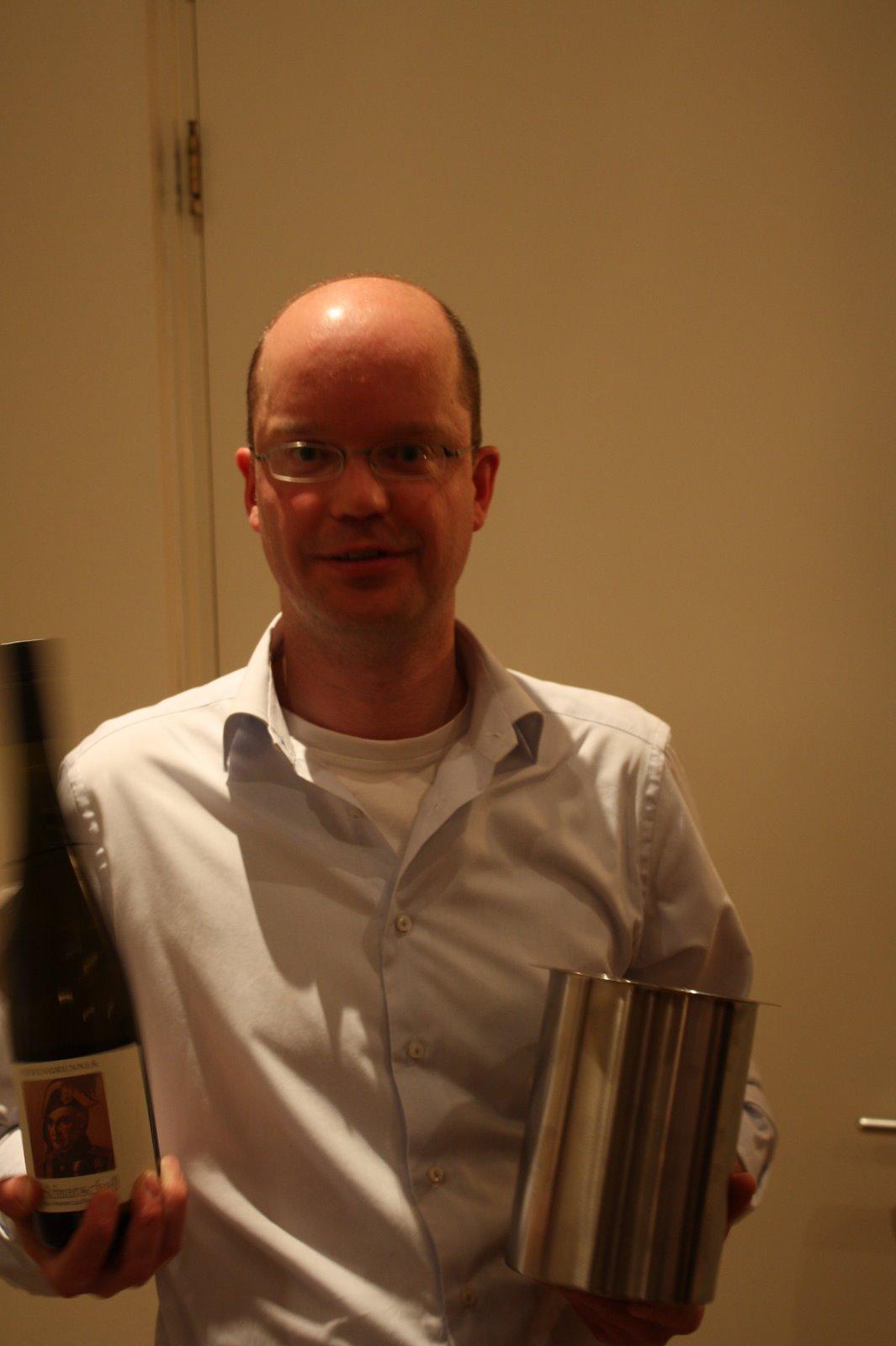 Docent wijnleer Rob van Ginneken laat iedereen zijn hielen zien